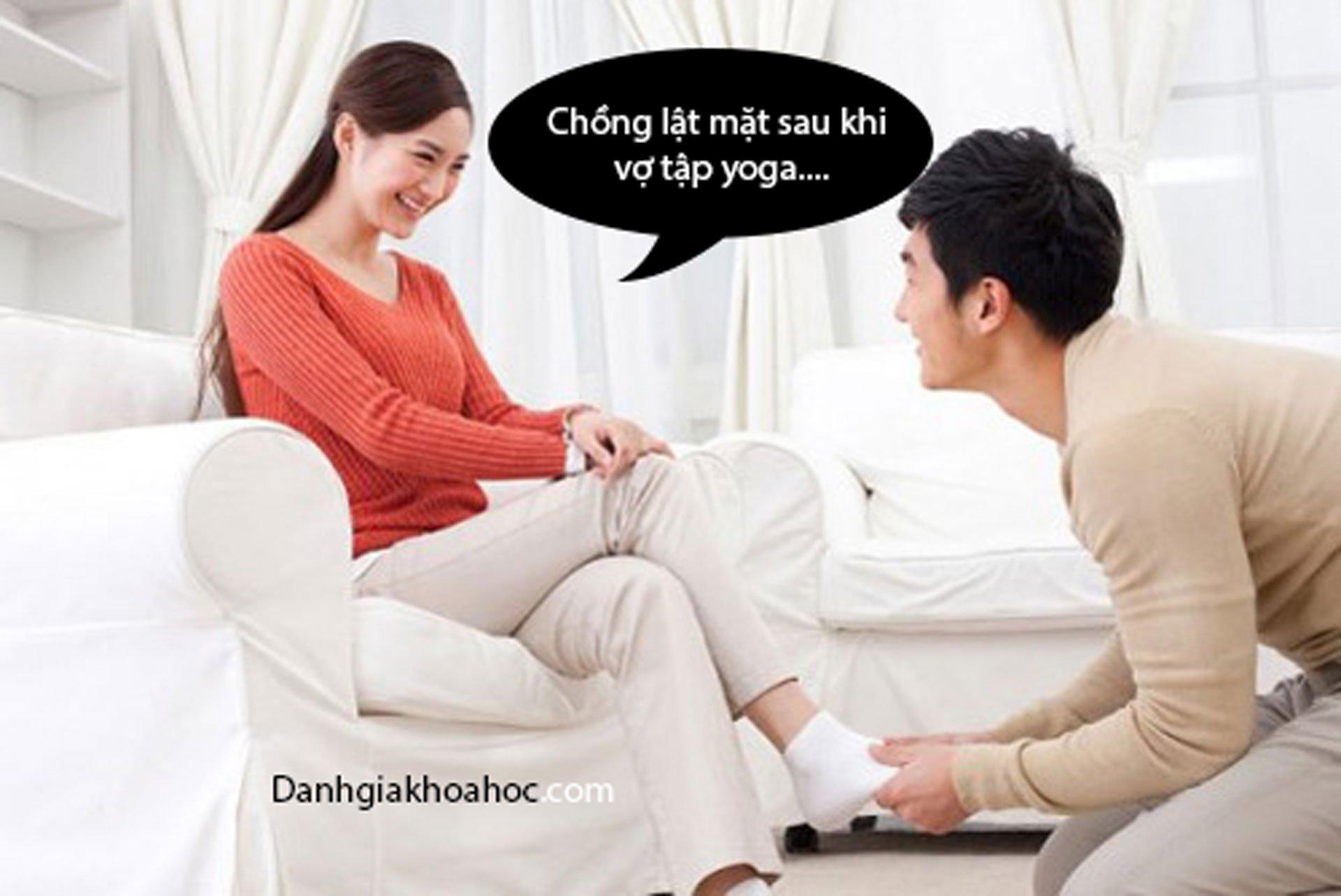 Chồng lật mặt sau khi vợ tập yoga....